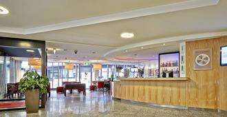 Sorell Hotel Ador - Bern - Front desk