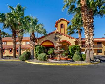 Quality Inn and Suites Goodyear - Phoenix West - Goodyear - Gebäude