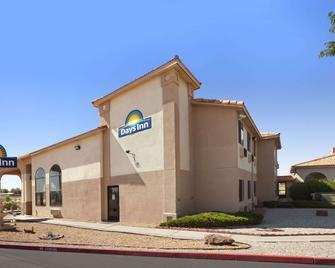 Days Inn by Wyndham Los Lunas - Los Lunas - Building
