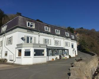 Gazelle Hotel - Menai Bridge - Building