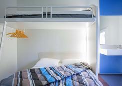 聖特斯 F1 酒店 - 聖提斯 - 桑特 - 臥室