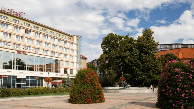 Apollo Hotel Bratislava - Bratislava - Edificio