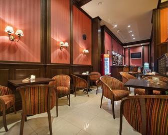 Apollo Hotel Bratislava - Bratislava - Restaurant