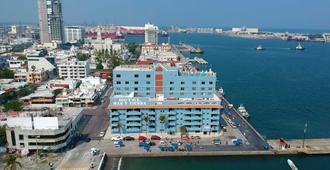 Hotel Mar y Tierra - Veracruz - Outdoor view