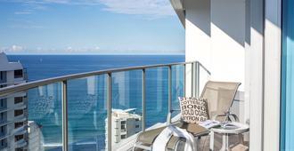 Artique Surfers Paradise - Surfers Paradise - Balcony