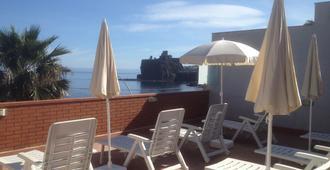 B&B Blu e il Castello - Aci Castello - Balcón
