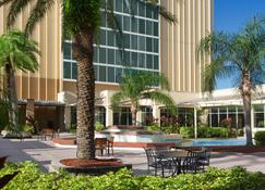 DoubleTree by Hilton at the Entrance to Universal Orlando - Orlando - Patio