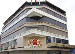 拉斯穆薩斯飯店及賭場 - 齊克拉約 - 建築
