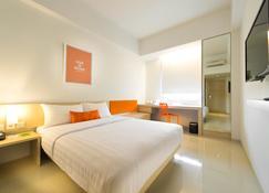 Zuri Express Mangga Dua - North Jakarta - Bedroom