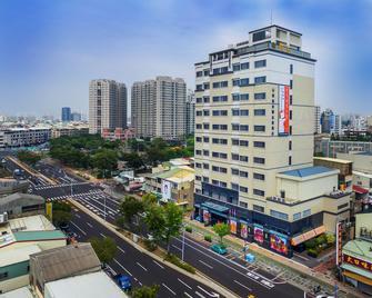 Golden Tulip Glory Fine Hotel - Tainan - Outdoor view