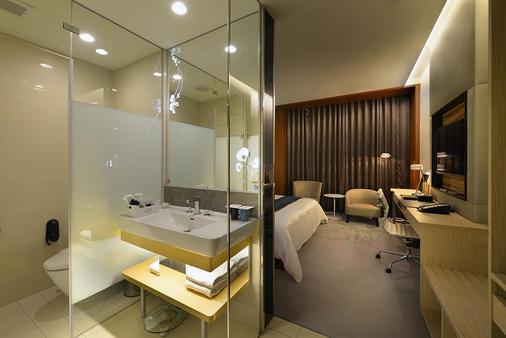 Golden Tulip Glory Fine Hotel - Tainan - Phòng tắm