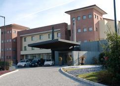 Just Hotel Lomazzo Fiera - Lomazzo - Gebouw