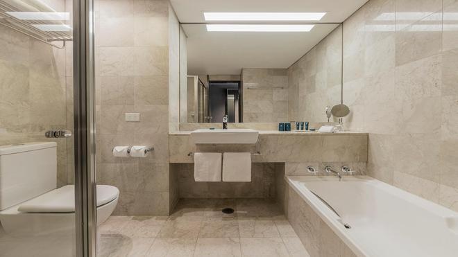 Parkroyal Darling Harbour, Sydney - Sydney - Bathroom