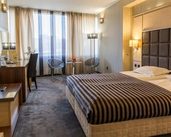 Cosmopolitan Hotel & Wellness - Ruse - Bedroom