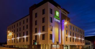 Holiday Inn Express Cheltenham Town Centre - Cheltenham - Building