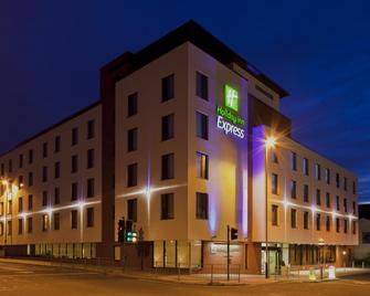 Holiday Inn Express Cheltenham Town Centre - Cheltenham - Edificio