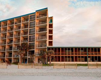 The Oceanfront Litchfield Inn - Pawleys Island - Building