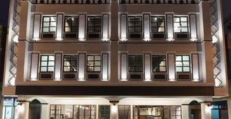 Phoenix Hostel - Hualien City - Building