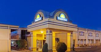 Days Inn by Wyndham Oklahoma City Fairground - Oklahoma City - Edificio
