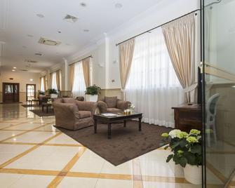Hotel Cavaliere - Noci - Lobby