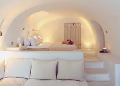 Kapari Natural Resort - Imerovigli - Bedroom