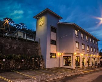 Pousada Il Villaggio - Santo Antônio do Pinhal - Edificio