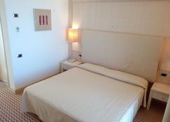 Hotel Mara - Ortona - Bedroom