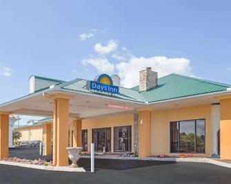 Days Inn by Wyndham Lenoir City - Lenoir City - Building