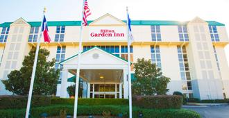 Hilton Garden Inn Dallas/Market Center - Dallas - Building