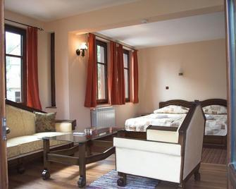 Hotel Old Times - Asenovgrad - Bedroom