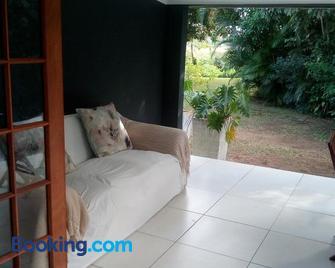 St. Lucia Kingfisher Lodge - Saint Lucia - Living room