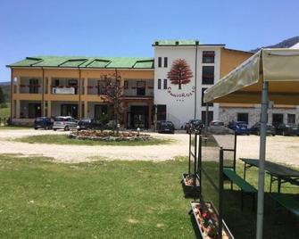 Faggio Rosso Hotel - Pescasseroli - Building