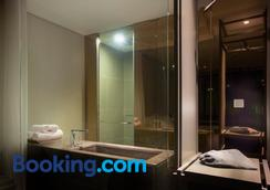 Stay Hotel Gangnam - Seoul - Bathroom