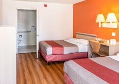 Motel 6 Bakersfield Convention Cent - Bakersfield - Bedroom