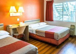 Motel 6 Bakersfield Convention Center - Bakersfield - Habitación