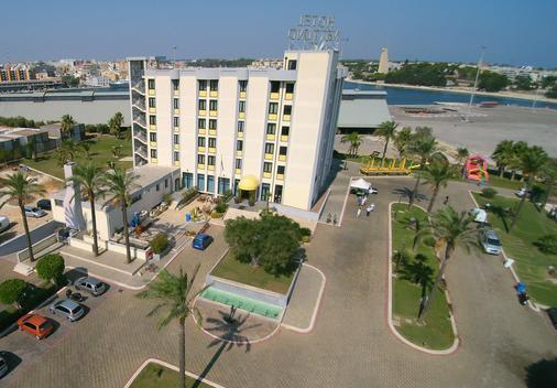 Best Western Hotel Nettuno - Brindisi - Building