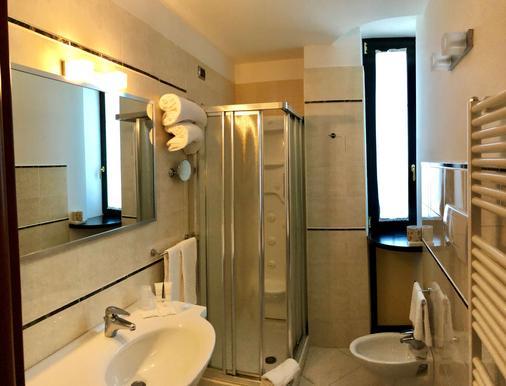 Best Western Hotel Nettuno - Brindisi - Bathroom