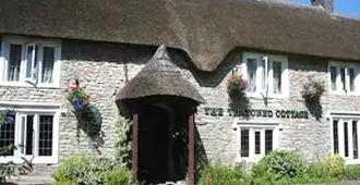 The Thatched Cottage Inn - Shepton Mallet - Building