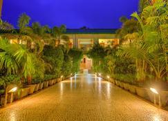 Palette - Resort Borgos - Kaziranga - Outdoors view