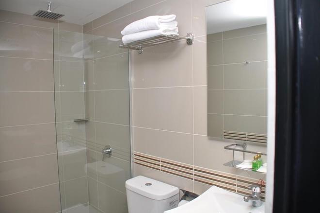 K Hotel - Kuala Lumpur - Bathroom