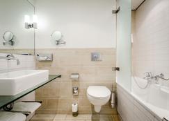 Oranje Hotel Leeuwarden - Leeuwarden - Bathroom