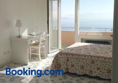 迪平托住宿加早餐旅館 - 那不勒斯/拿坡里 - 臥室