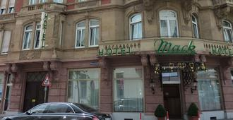 Hotel Mack - מנהיים