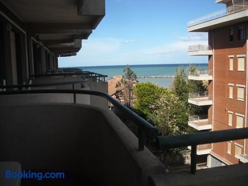 Hotel Residenza Giardino - Bellaria-Igea Marina - Balcony