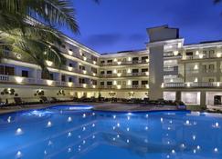 Sterling Goa Varca - Betalbatim - Pool