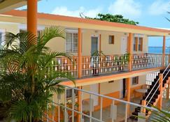 Sea View Beach Hotel - Philipsburg - Balcón