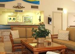 Castaways Resort and Suites - Freeport - Sala de estar