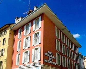 Hotel Restaurant Les Négociants - Веве - Building