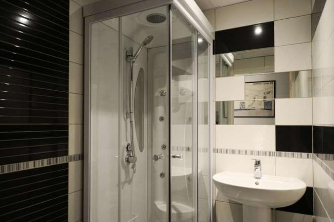 Brit Hotel Confort Rouen Centre - Rouen - Bathroom