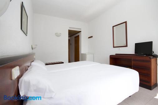 Villa Miel - Cala Millor - Bedroom